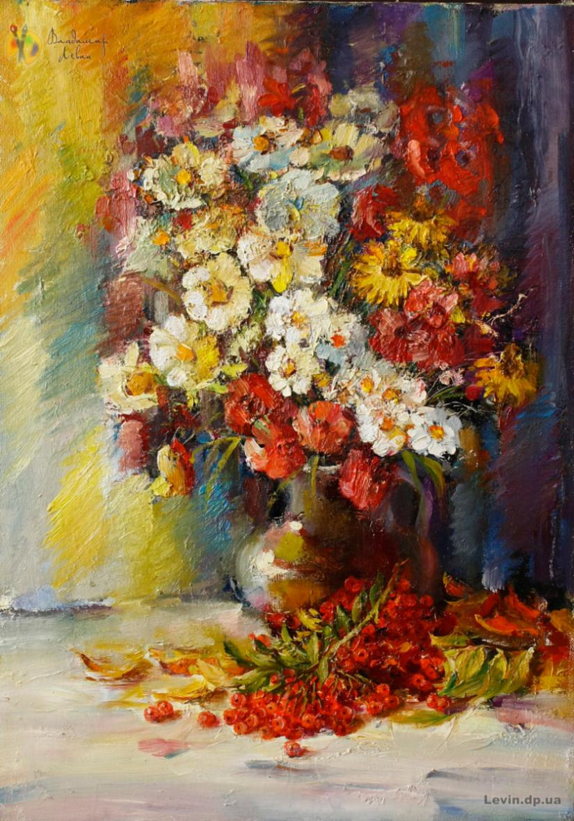 Натюрморт ваза с цветами и калина